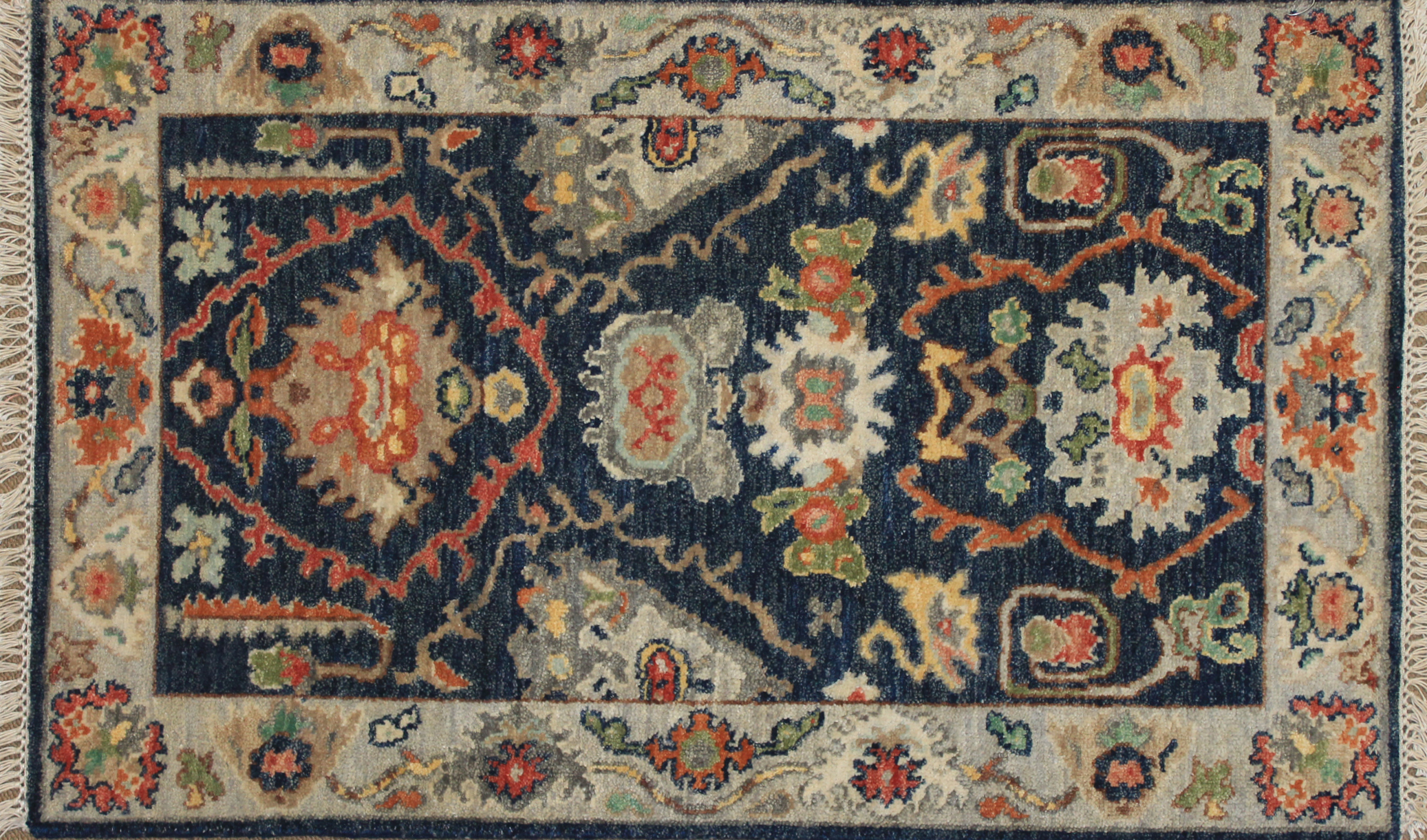 2X3 Traditional Hand Knotted Wool Area Rug - MR025025