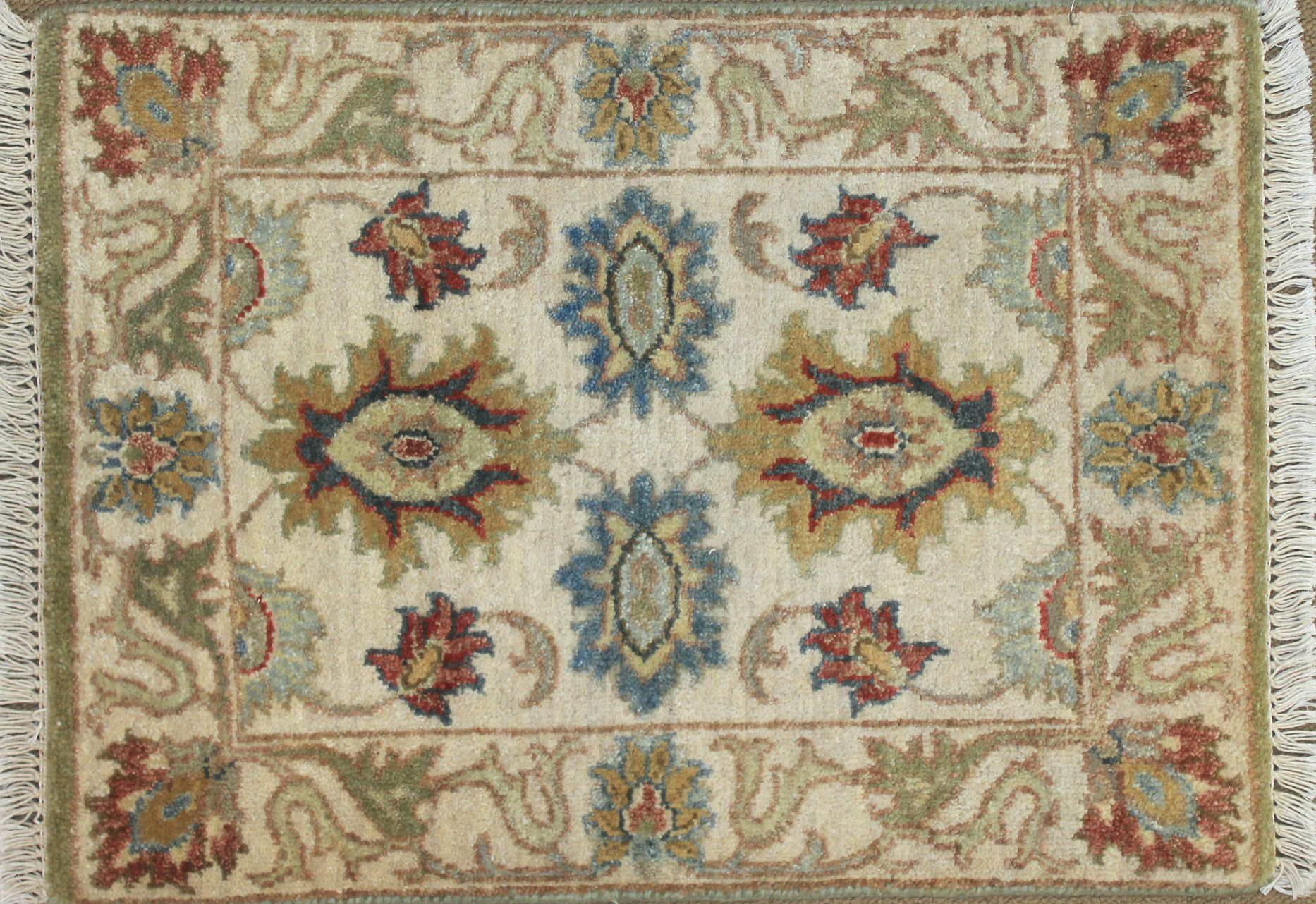 1.6X2 & Smaller Oriental Hand Knotted Wool Area Rug - MR025502
