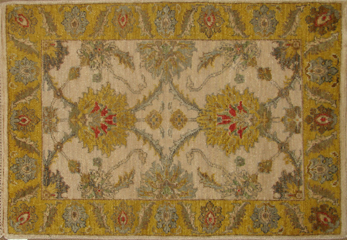 2X3 Traditional Hand Knotted Wool Area Rug - MR18681