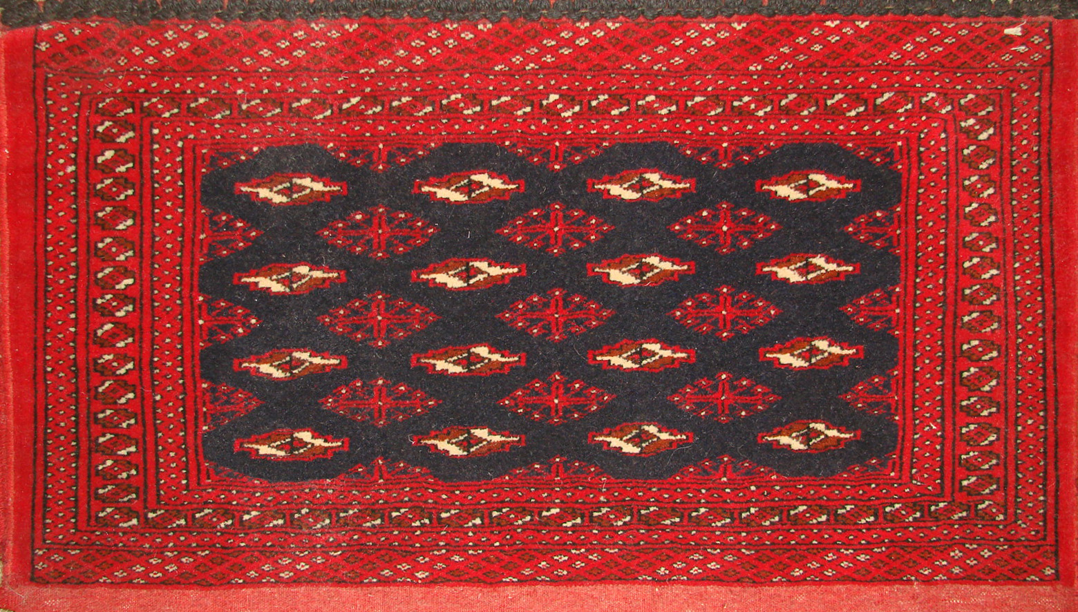 1.6X2 & SMALLER Bokhara Hand Knotted Wool Area Rug - MR19481