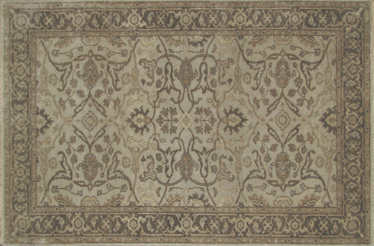 4x6 Traditional Hand Knotted Wool Area Rug - MR19817